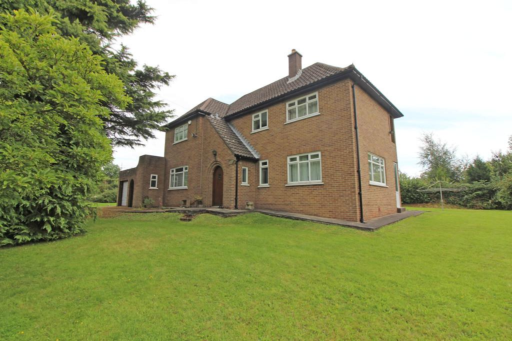 4 Bedrooms Detached House for sale in Druidstone Rd, Old St Mellons