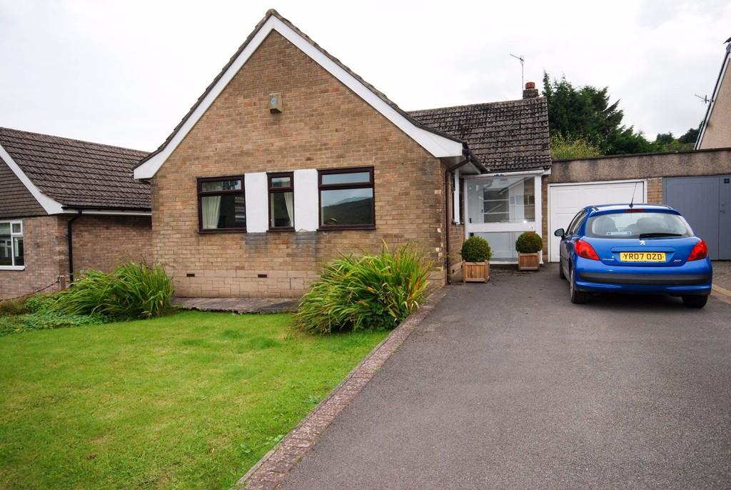 4 Bedrooms Detached Bungalow for sale in Ecclesbourne Drive