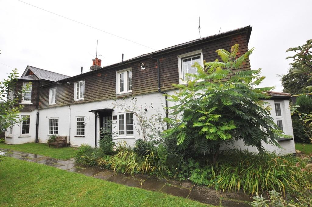 1 Bedroom Ground Flat for sale in Broadford Cottages , Shalford