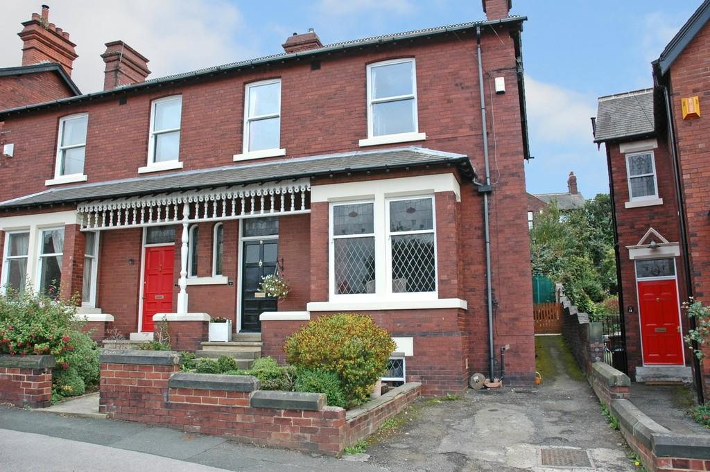 3 Bedrooms Semi Detached House for sale in St Johns Mount, Wakefield