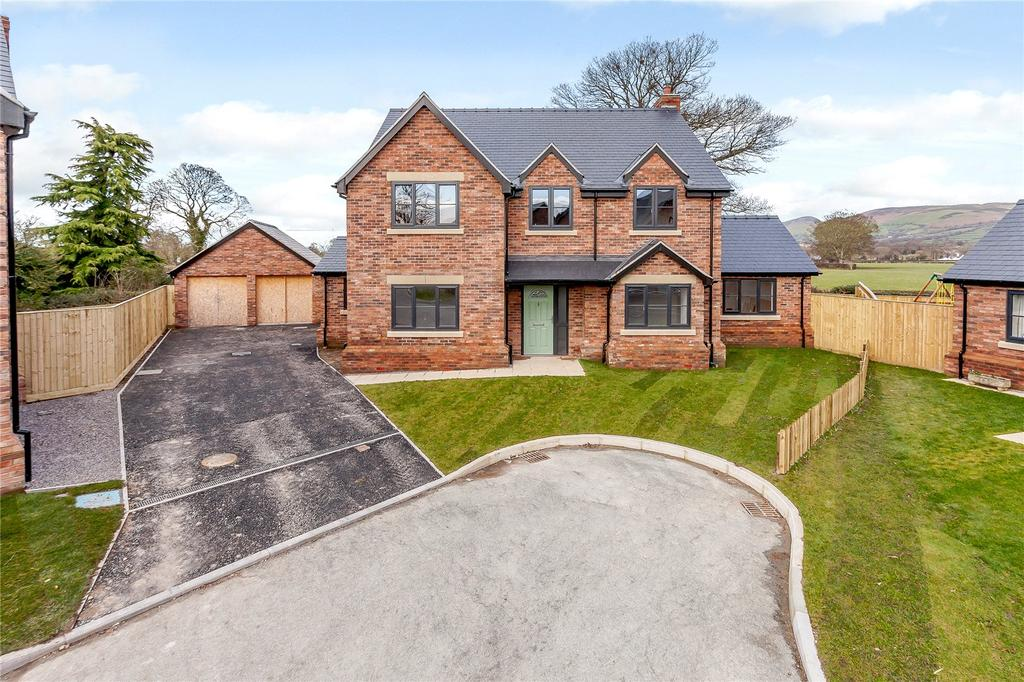 5 Bedrooms Detached House for sale in Cwrt Arthur, Rhewl, Ruthin, Denbighshire, LL15