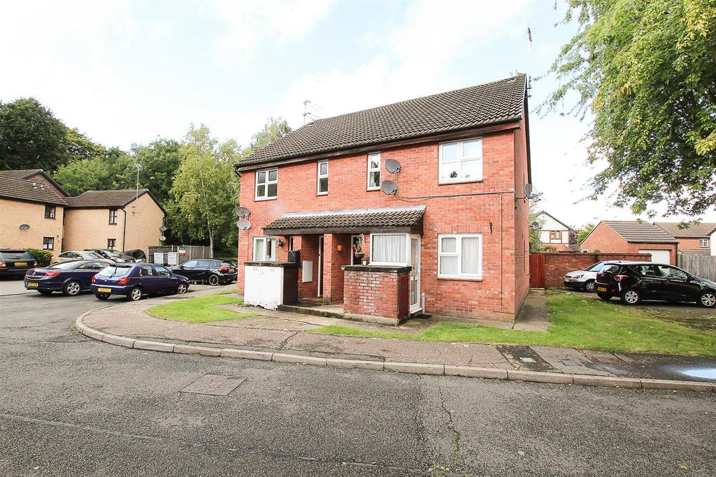1 Bedroom Maisonette Flat for sale in Abenberg Way, Hutton, Brentwood