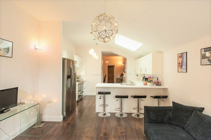 2 Bedrooms House for sale in Holly Road, Twickenham