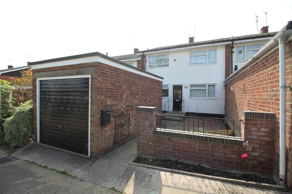 1 Bedroom Ground Maisonette Flat for sale in Home Mead, Chelmsford, Essex, CM2