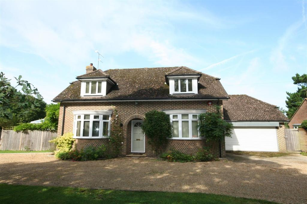 4 Bedrooms Detached House for sale in Shoreham Road, Henfield