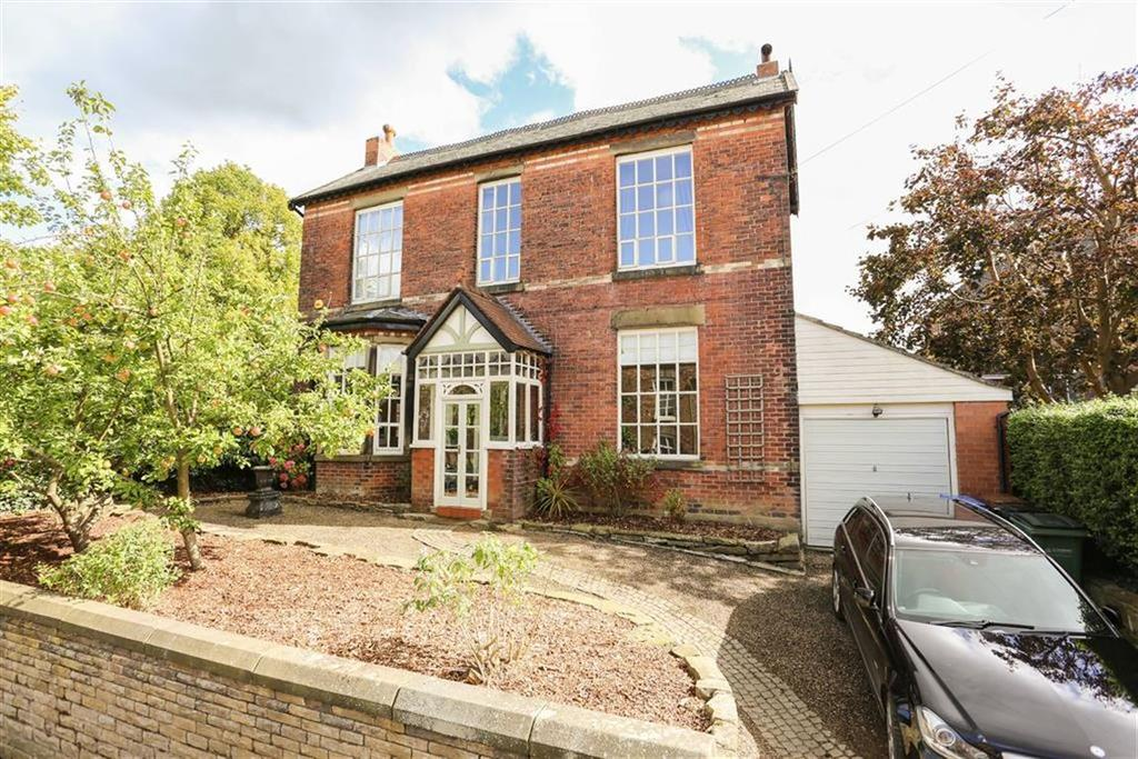 5 Bedrooms Detached House for sale in Empress Avenue, Marple, Cheshire