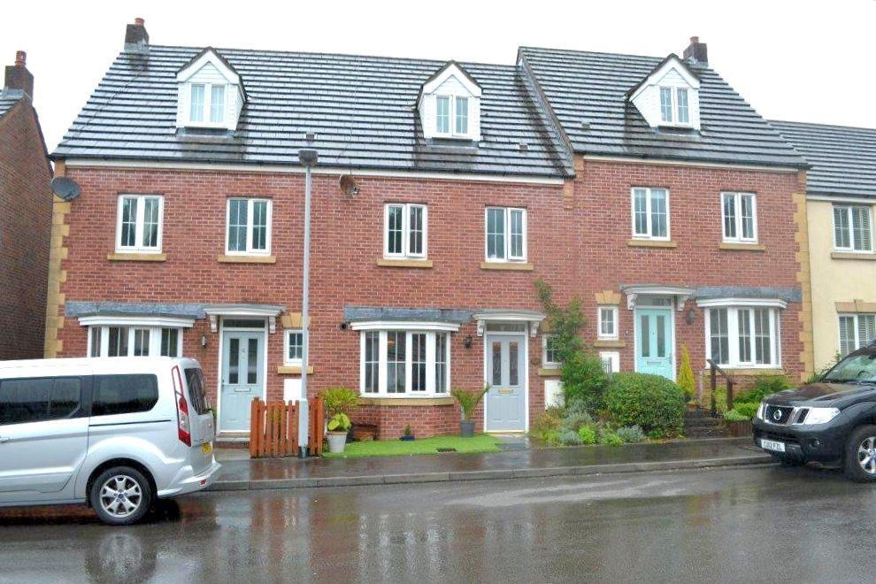 4 Bedrooms Terraced House for sale in Clos San Pedr, Cockett, Swansea