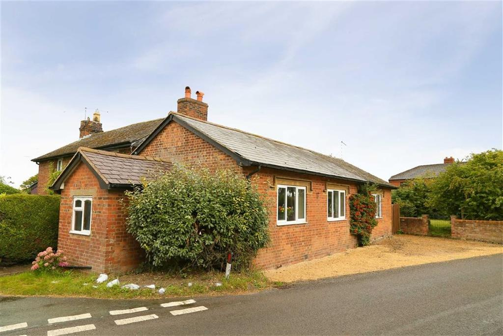 2 Bedrooms Bungalow for sale in Lower Hordley, Ellesmere, SY12