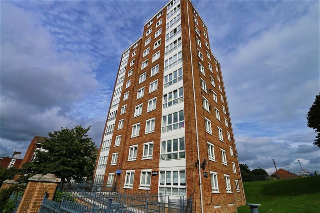 2 Bedrooms Flat for sale in Robert Street, Woolwich, London, SE18