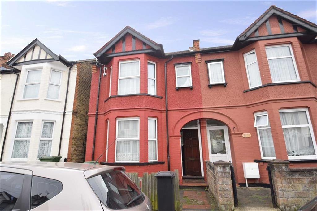 3 Bedrooms Terraced House for sale in Princes Avenue, West Watford, Herts