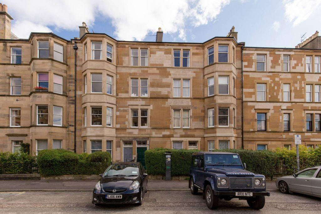 2 Bedrooms Flat for sale in 106/6 Spottiswoode Street, Marchmont, Edinburgh, EH9 1By