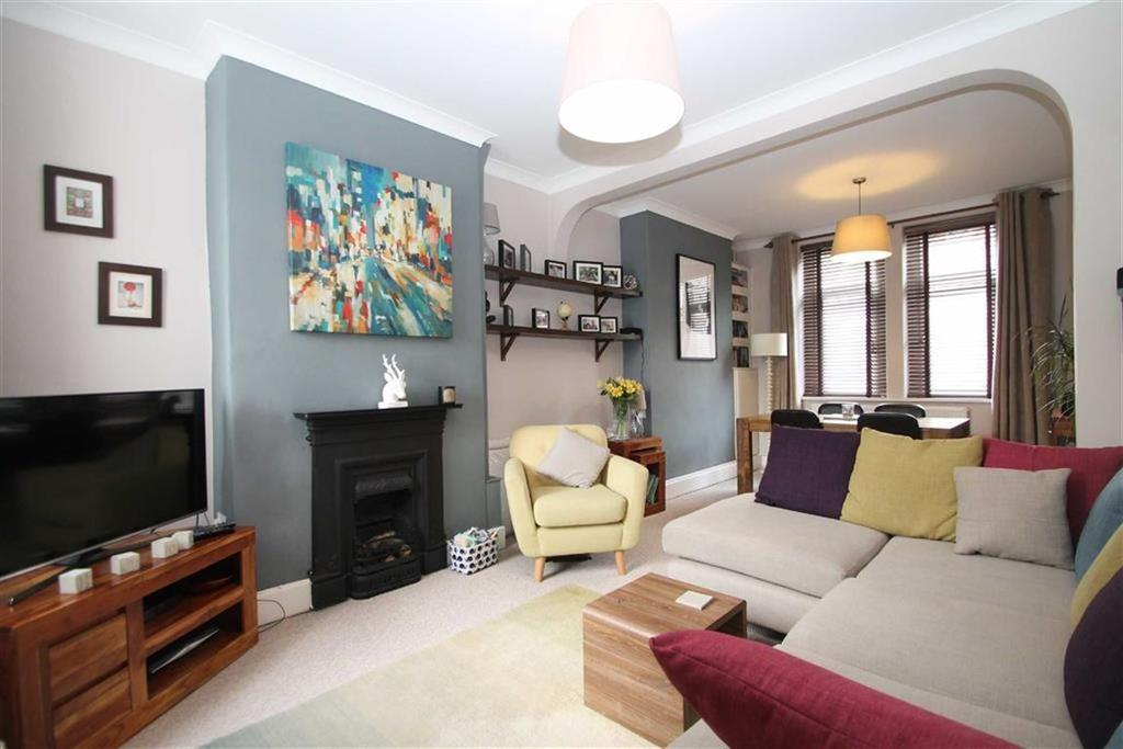 3 Bedrooms Terraced House for sale in Railway Street, Cardiff