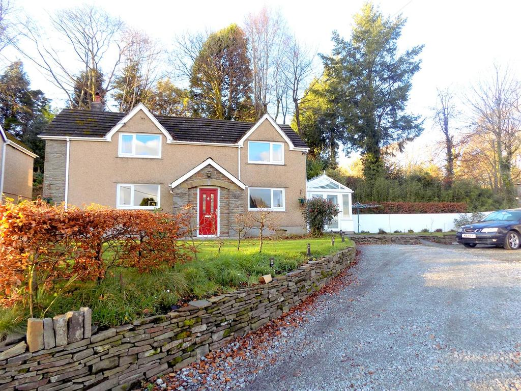 4 Bedrooms Detached House for sale in Pen Yr Alltwen, Pontardawe, Swansea