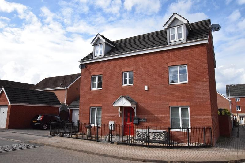 6 Bedrooms Detached House for sale in Watkins Square, Llanishen, Cardiff. CF14 5FL