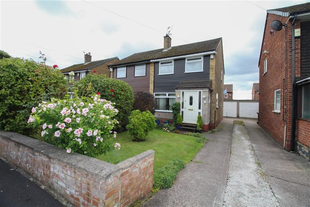 3 Bedrooms Semi Detached House for sale in Fairford Way, Reddish, Stockport