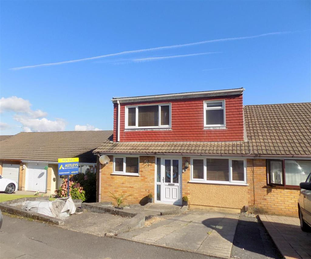 2 Bedrooms Semi Detached House for sale in Wren Avenue, Neath