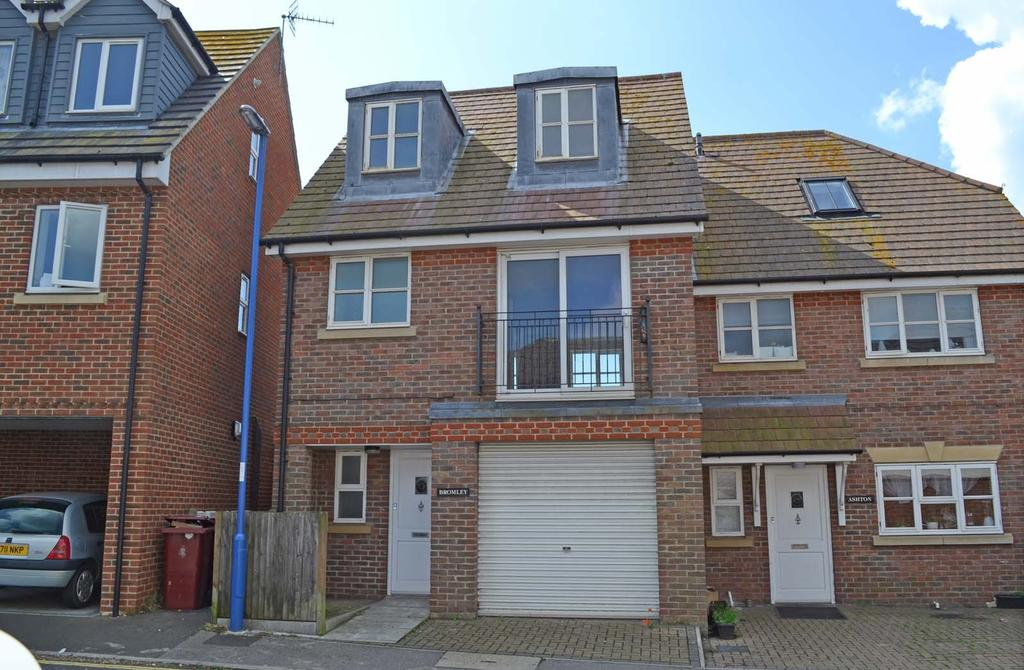 3 Bedrooms Semi Detached House for sale in Lewis Road, Lewis Road, PO20