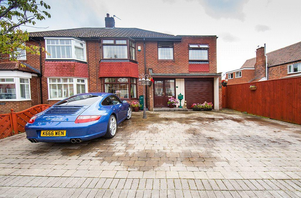 3 Bedrooms Detached House for sale in Ravenswood Close, Newcastle upon Tyne, NE12