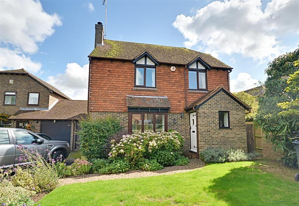 4 Bedrooms Detached House for sale in Gybbons Road, Rolvenden,