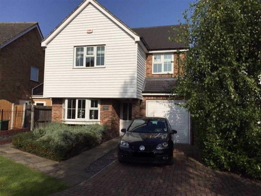 4 Bedrooms Detached House for sale in The Vale, Stock