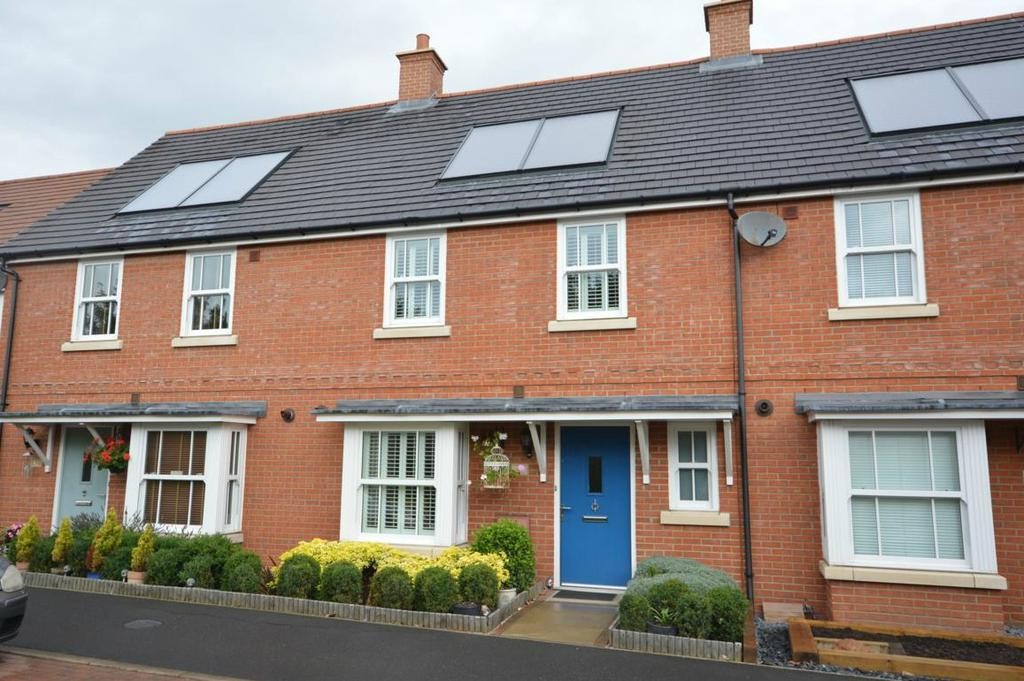 4 Bedrooms Terraced House for sale in Stilemans Wood, Cressing, Braintree, Essex, CM77