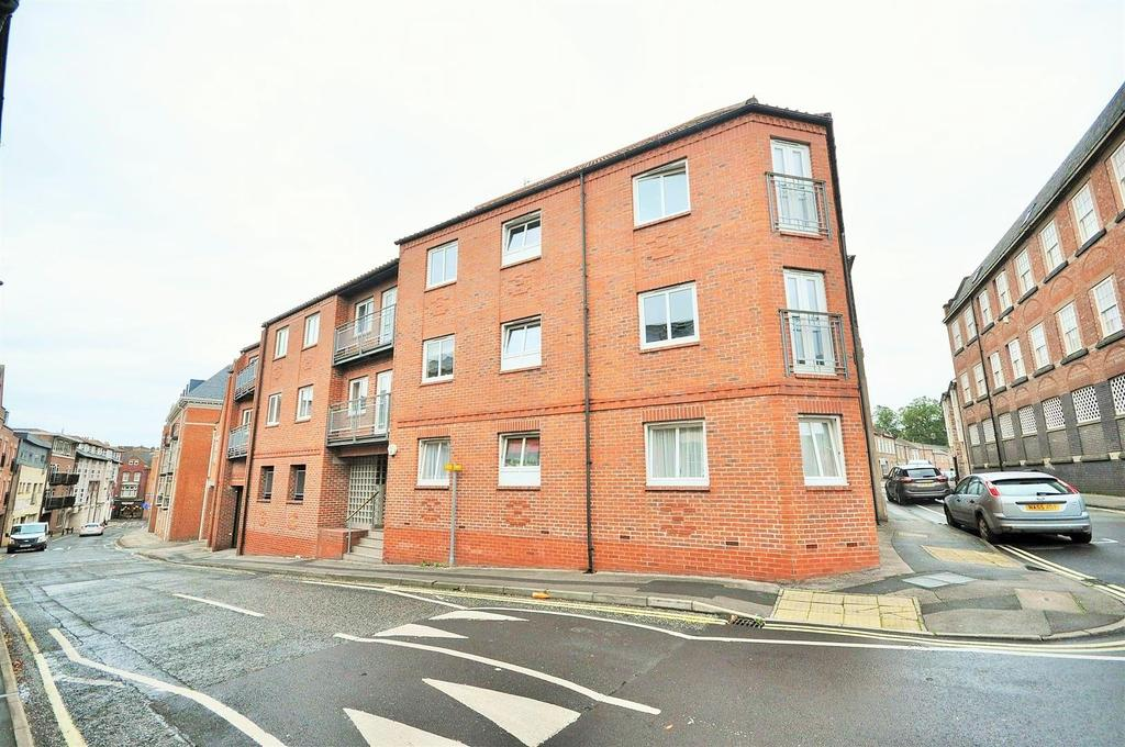2 Bedrooms Flat for sale in Crambeck Court, Bishophill, York