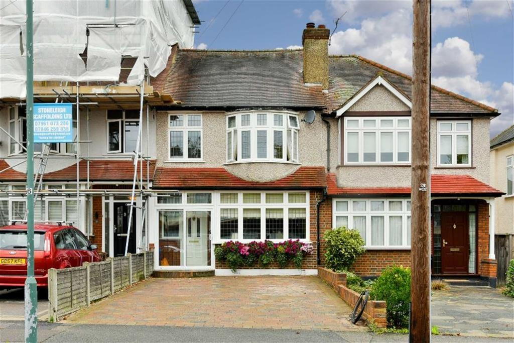 3 Bedrooms Terraced House for sale in Bridgewood Road, Worcester Park, Surrey