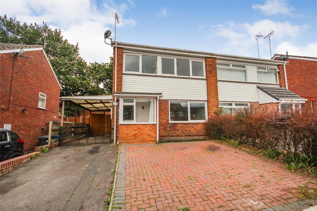 3 Bedrooms Semi Detached House for sale in Marlborough Way, Uttoxeter, Staffordshire