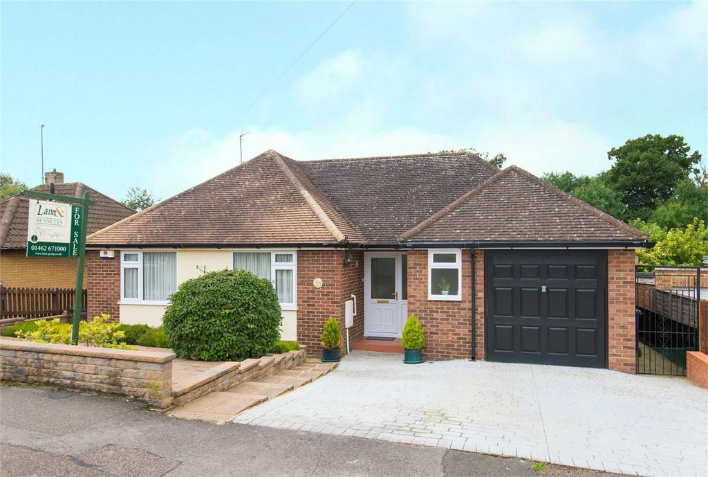 3 Bedrooms Detached Bungalow for sale in Longmead, Letchworth, Herts