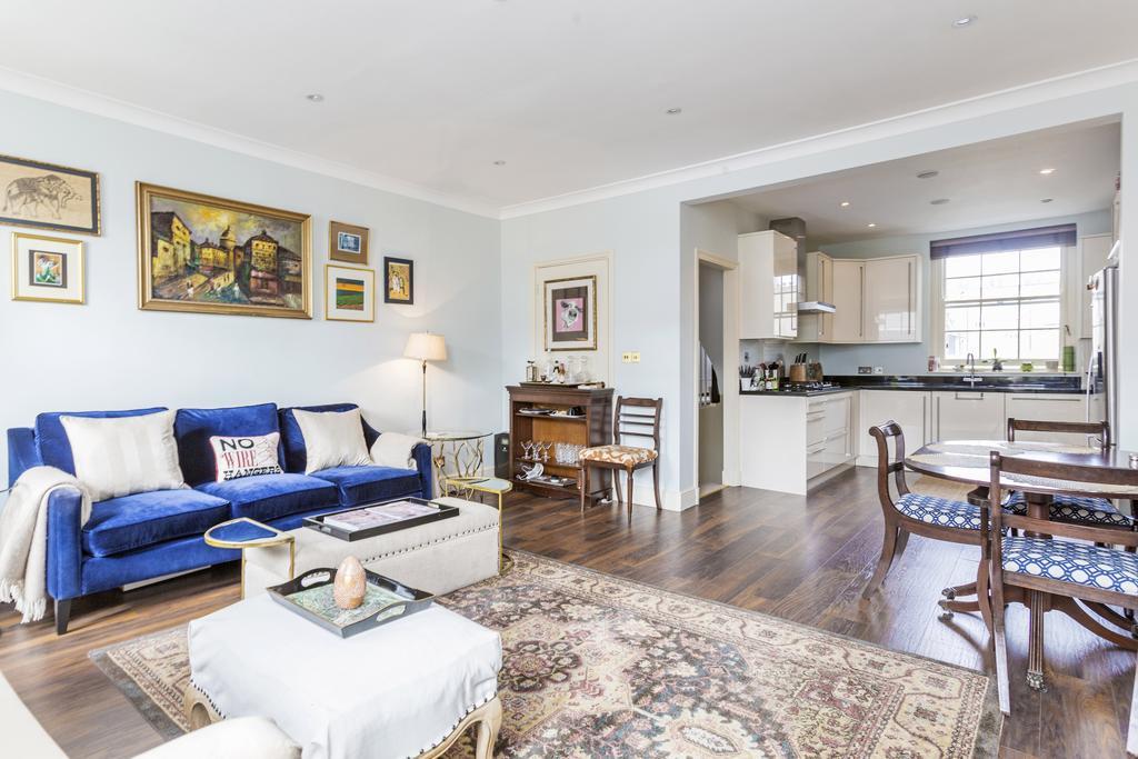 3 Bedrooms Flat for sale in Charlwood Street, SW1V