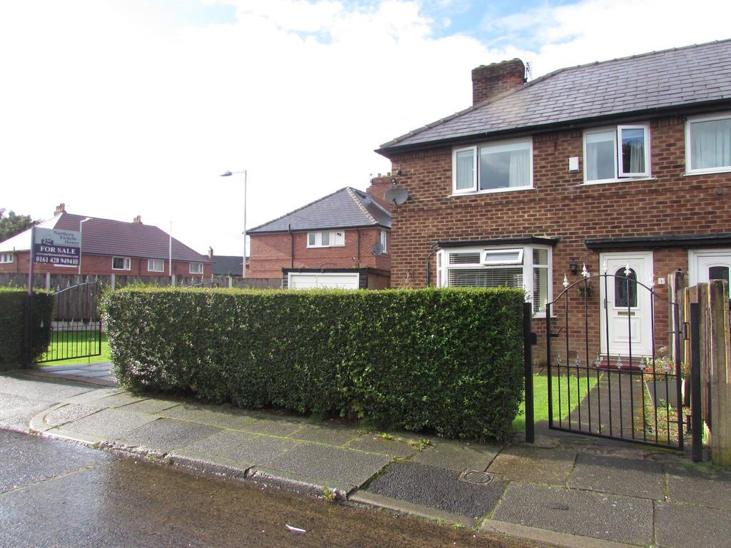 3 Bedrooms Semi Detached House for sale in Nisbet Avenue, Peel Hall, Manchester, M22