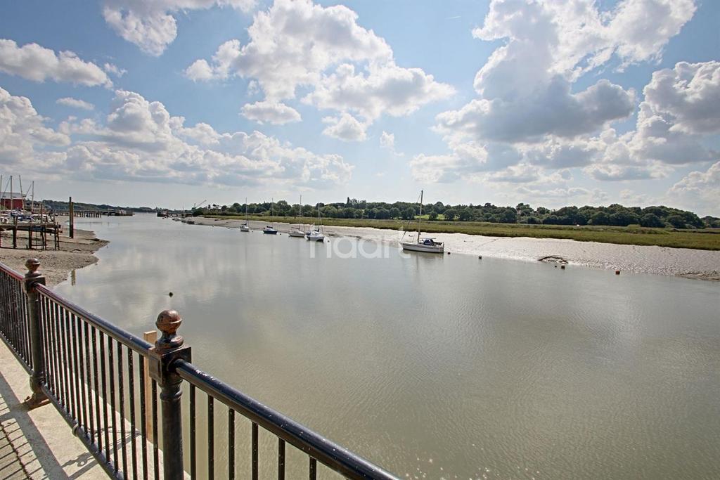 5 Bedrooms Terraced House for sale in Wivenhoe