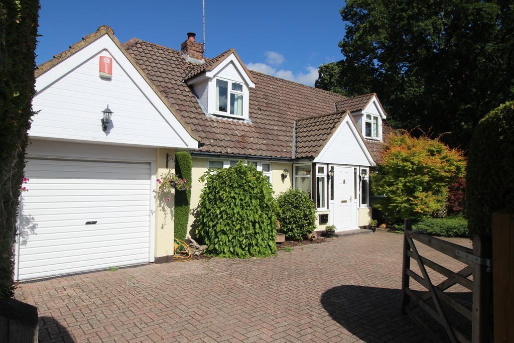 3 Bedrooms Cottage House for sale in Sanctuary Lane, Storrington