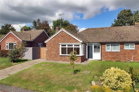 2 bedroom detached bungalow for sale - Wheatfield Way, Cranbrook, Kent, TN17