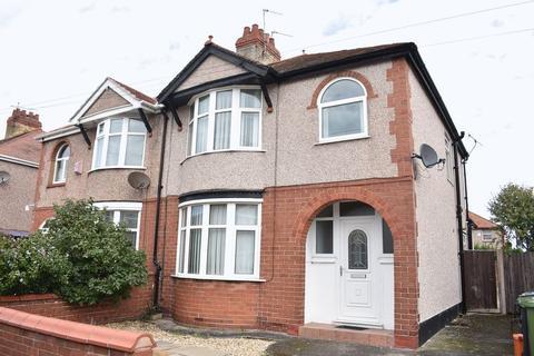 3 bedroom semi-detached house to rent - Grange Avenue, Rhyl