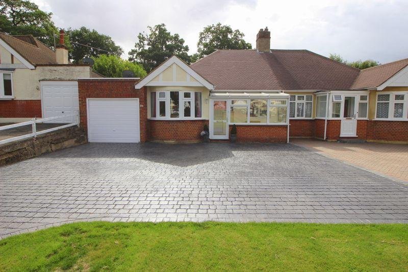 3 Bedrooms Bungalow for sale in Harland Avenue, Sidcup