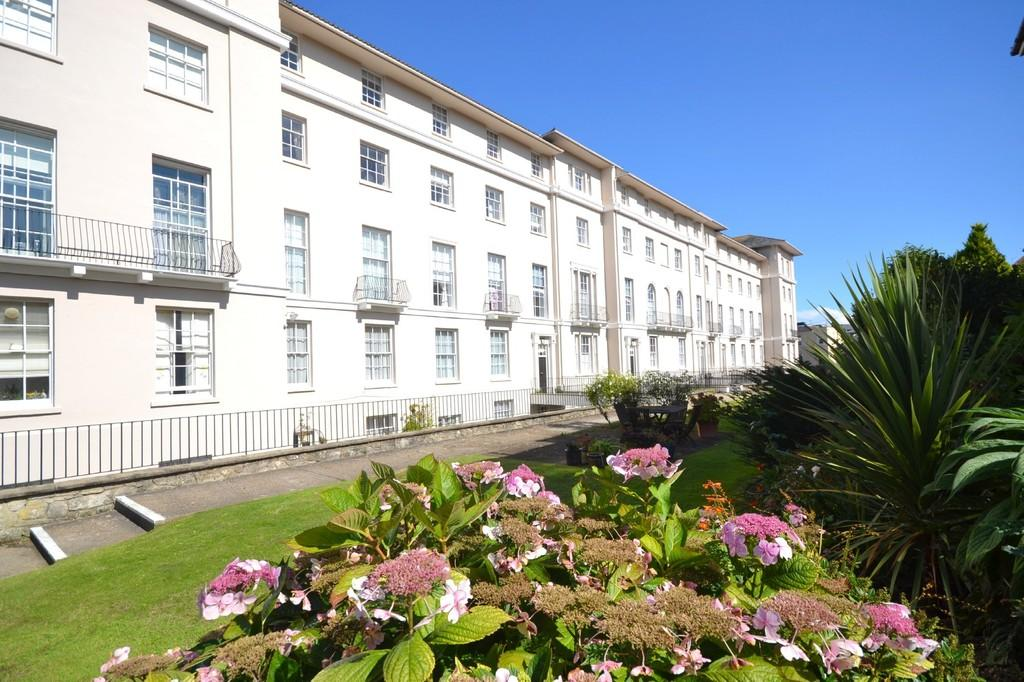 2 Bedrooms Apartment Flat for sale in Brigstocke Terrace, Ryde
