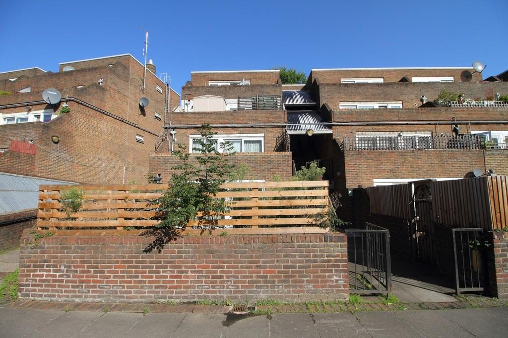4 Bedrooms Apartment Flat for sale in Salisbury Walk, London