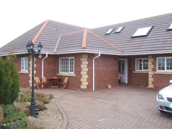 6 Bedrooms Bungalow for sale in Woodhorn Court, Ashington, Five/Six Bedroom Detached Bungalow