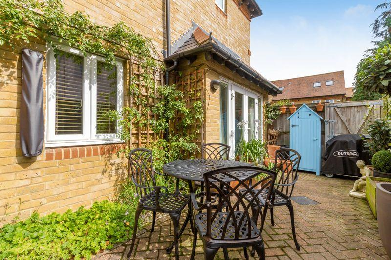 2 Bedrooms Apartment Flat for sale in The Meadows, North Oxford