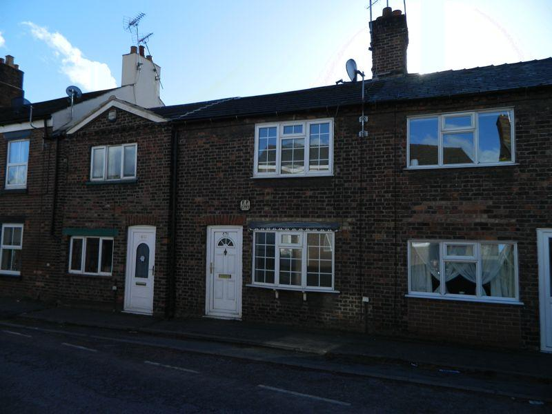 2 Bedrooms House for sale in Crewe Road, Sandbach,