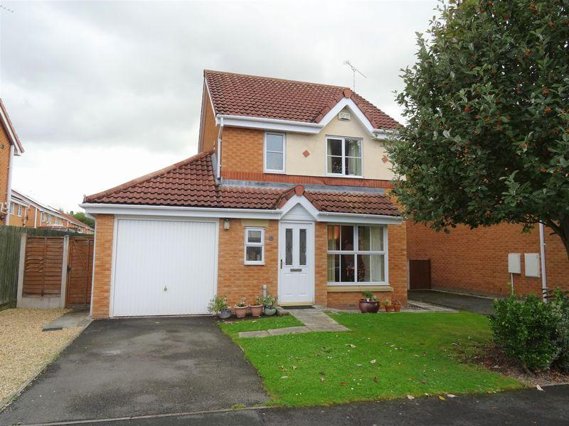 3 Bedrooms Detached House for sale in Newquay Drive, Wrexham