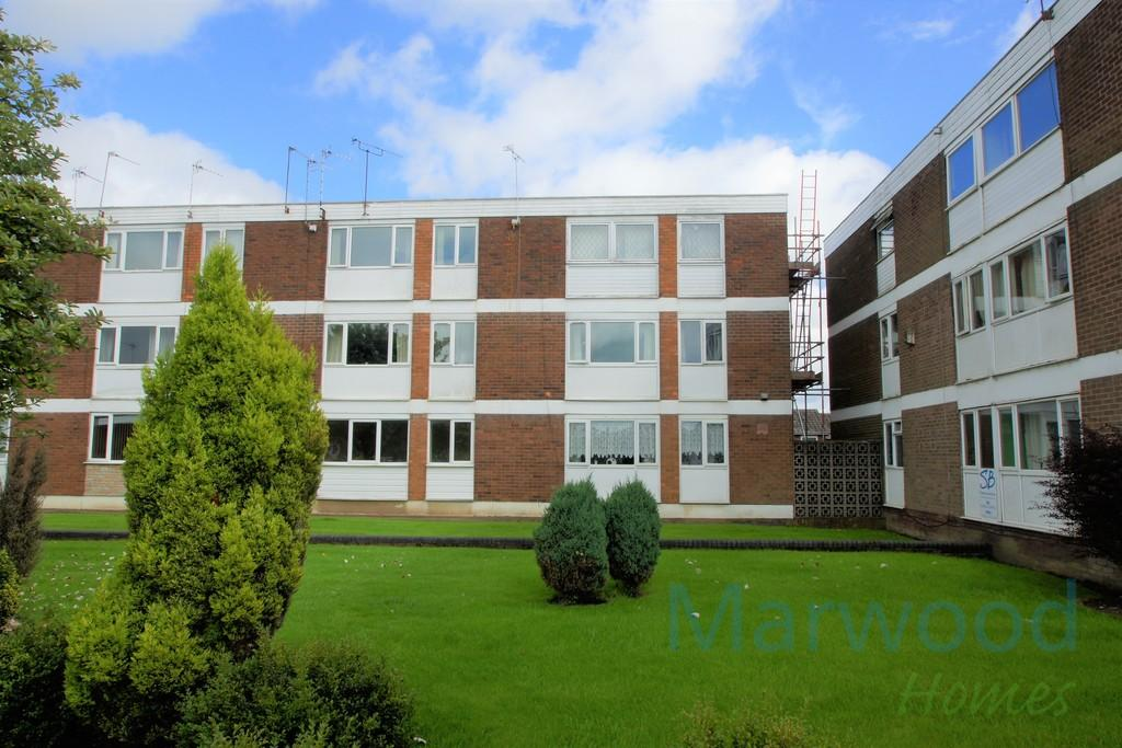 2 Bedrooms Flat for sale in Tower View Road, Great Wyrley