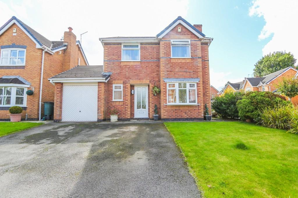 4 Bedrooms Detached House for sale in 2 Old River Close, Irlam, Manchester
