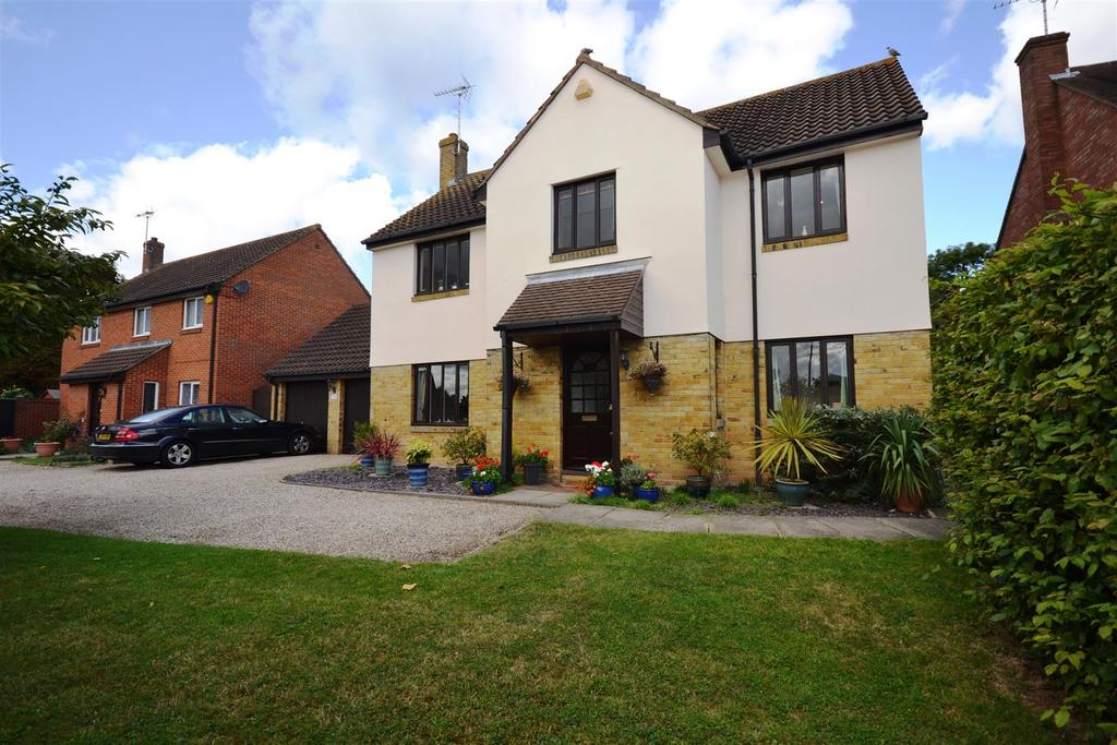 4 Bedrooms House for sale in Broughton Road, South Woodham Ferrers, Chelmsford