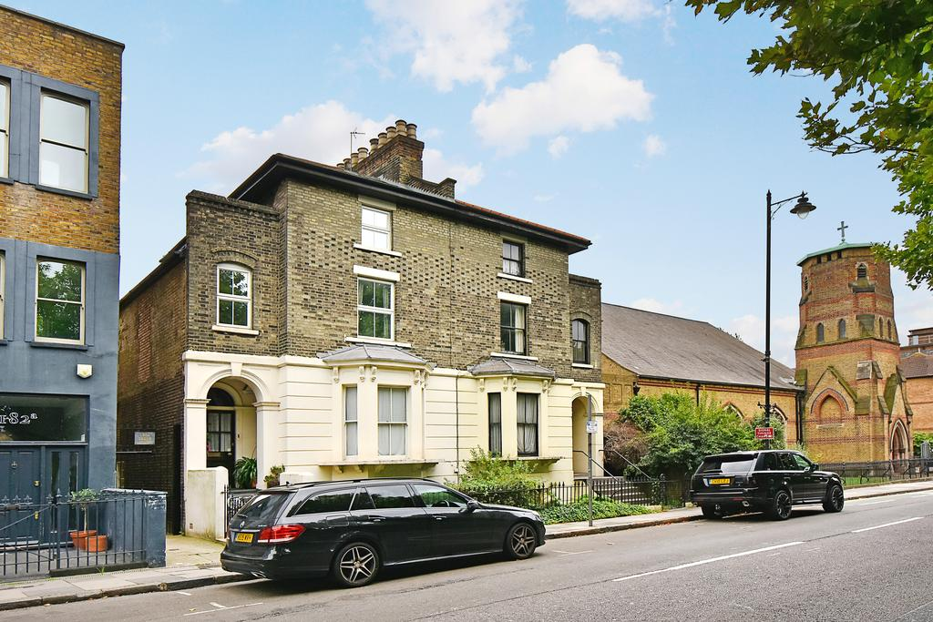 4 Bedrooms House for sale in Grove Road, Bow, London