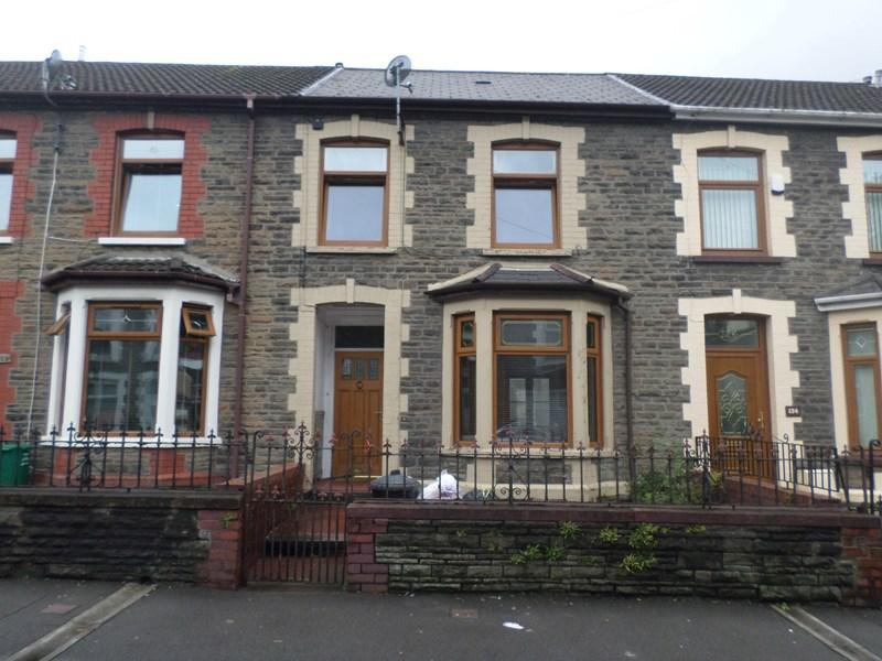 3 Bedrooms Terraced House for sale in Aberrhondda Road, Porth