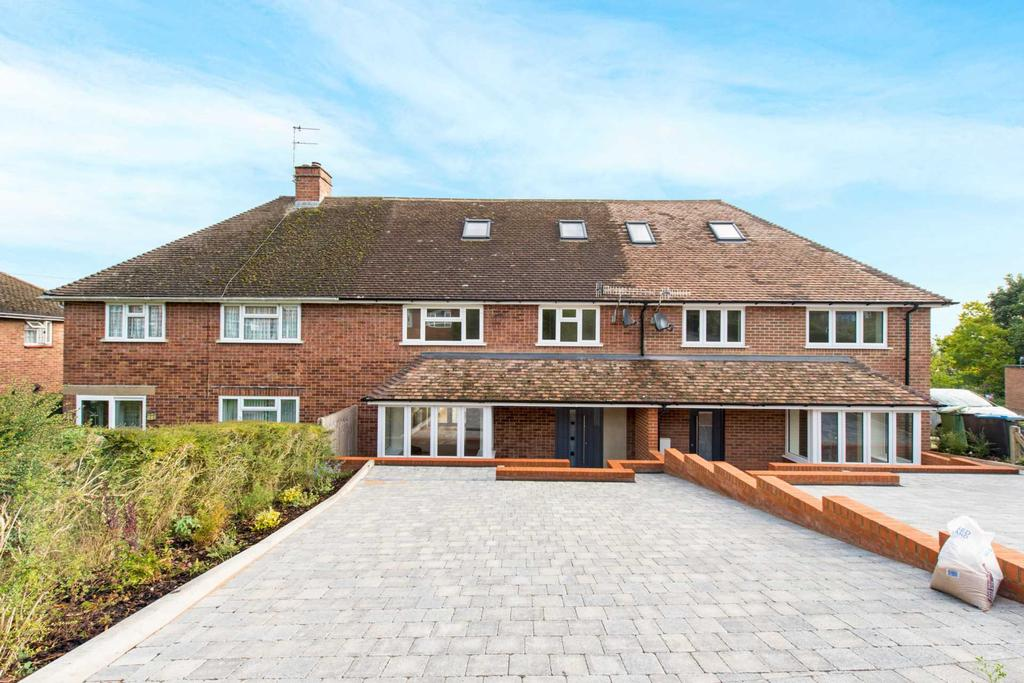 4 Bedrooms Terraced House for sale in Marlin Close, Berkhamsted