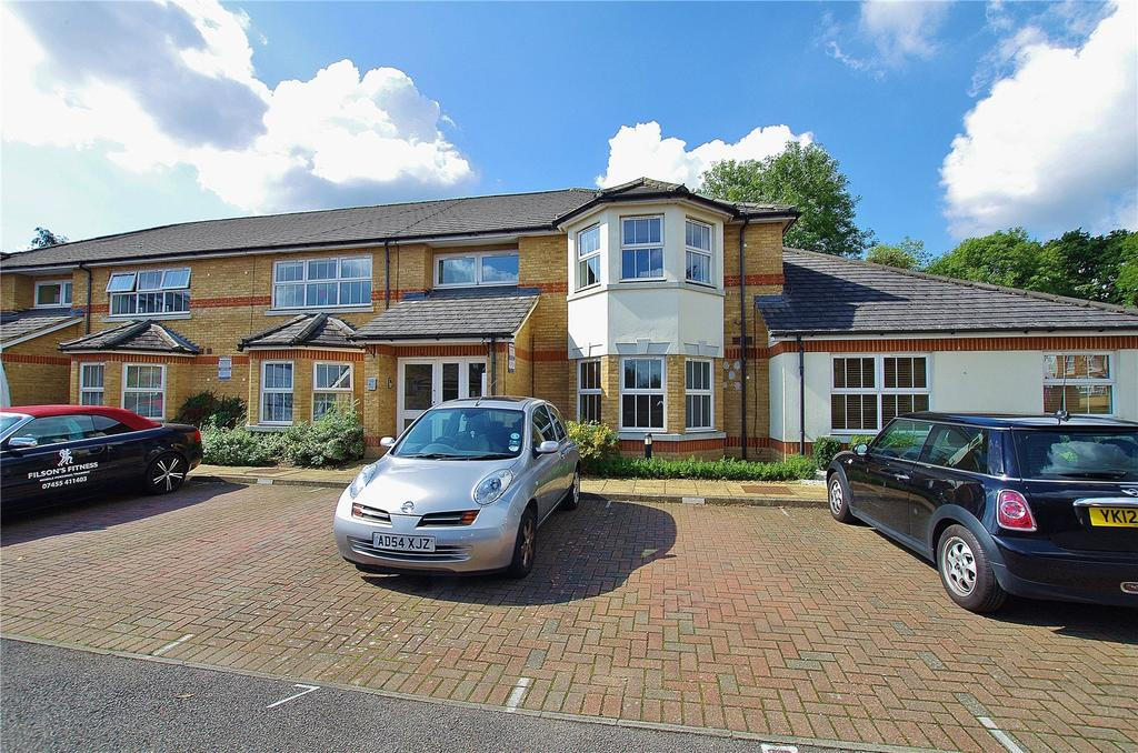 2 Bedrooms Apartment Flat for sale in Chatsworth Mews, Diamond Road, Watford, Hertfordshire, WD24