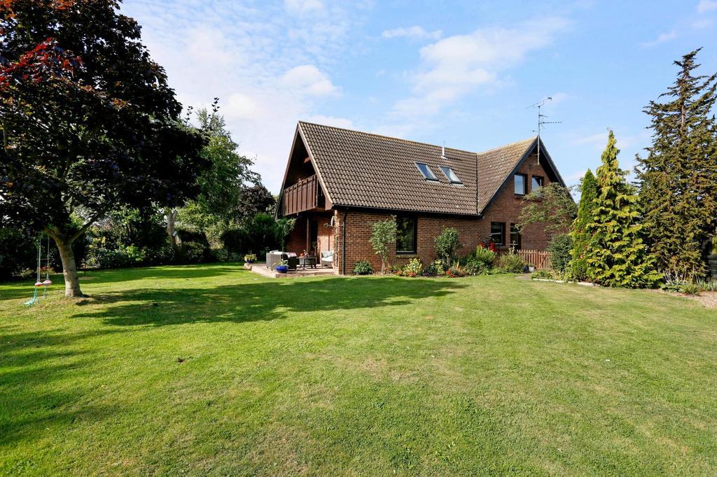 5 Bedrooms Detached House for sale in South Street, Tillingham, Southminster, Essex, CM0